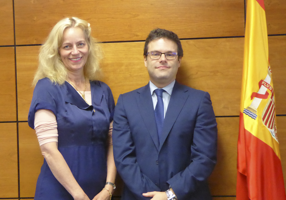 Birgitte Sand (Director, Danish Gambling Authority) y D. Juan Espinosa García (Director General de la DGOJ)