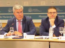 D. José Enrique Fernández de Moya Romero (Secretario de Estado de Hacienda) y D. Juan Espinosa García (Director General de Ordenación del Juego)