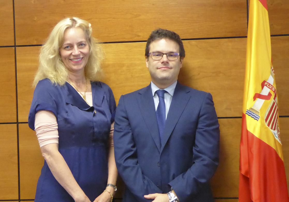 Birgitte Sand (Director, Danish Gambling Authority) y D. Juan Espinosa García (Director General de la DGOJ)